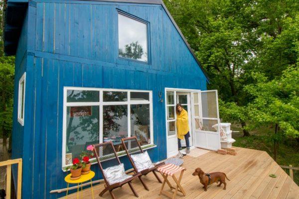 Whatifness: pogledajte prekrasnu kuću koju su nomadi Anja i Strahinja izgradili u samo 40 dana