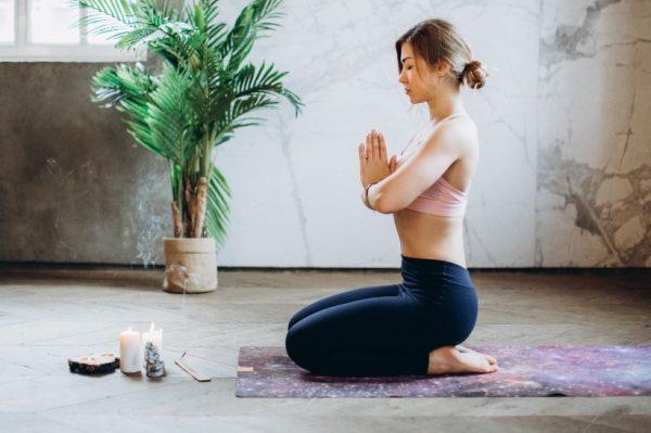 Sve što bi biste trebali znati o opremi za jogu – kako ju odabrati i održavati?