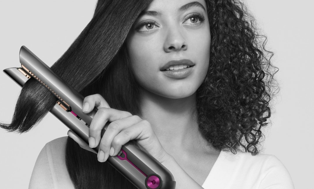 Upoznajte jedini uređaj za ravnanje kose s tehnologijom fleksibilnih ploča za besprijekorno ravnu, sjajnu i zdravu kosu
