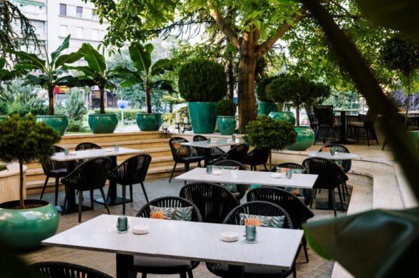 Zavirite u novi restoran i koktel bar u Beogradu koji odiše otmjenim glamurom New Yorka