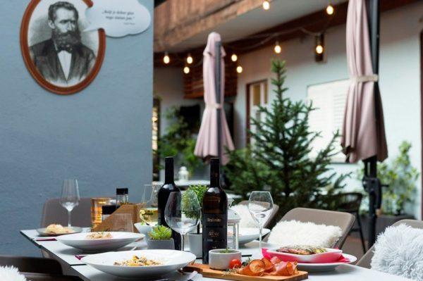 Terasa restorana O'brok zanimljiva je gastro oaza na kojoj vrijedi provesti ljeto