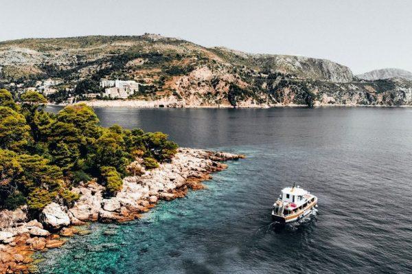 Otok Lokrum – zelena oaza Dubrovnika s tirkizno plavim morem