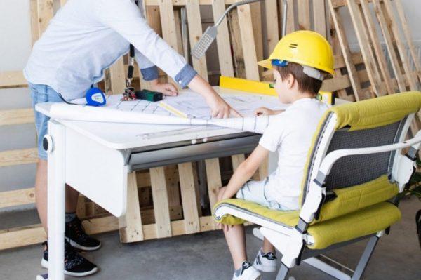 Radni stol koji možete koristiti i vi i vaše dijete prilagođava se svačijim željama i potrebama