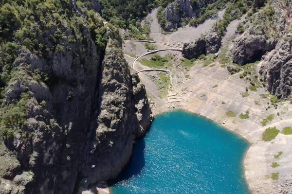 Bajkovita jezera u Imotskom najljepša su razglednica iz Dalmatinske zagore