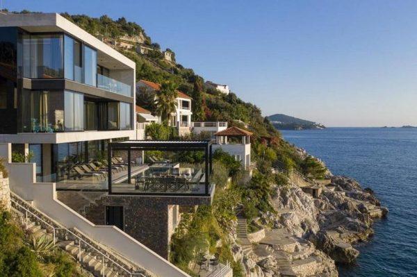 Zavirite u jednu od najluksuznijih hrvatskih vila, s pristupom plaži i spektakularnim pogledom
