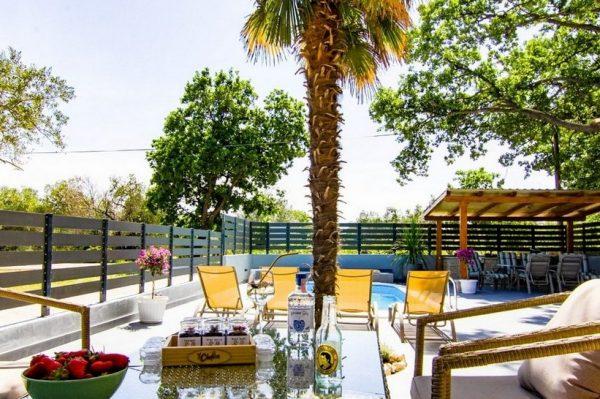 U ovom vrtu u Dalmaciji bismo mogli provesti cijelo ljeto