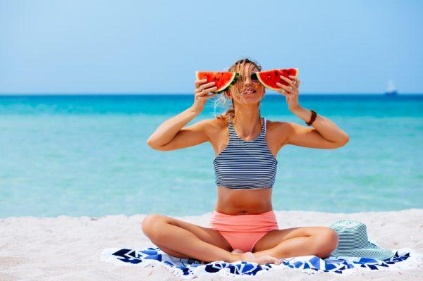 Ako ste ona koja na plaži nikad ne potamni, onda su ovo trikovi za vas!