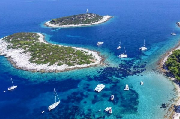 Jedna od najljepših pješčanih plaža skriva se na nenaseljenom otočiću na jugu Dalmacije