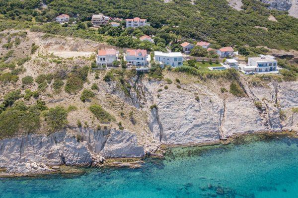 Ljupki apartman na stijeni iznad mora gdje bismo voljeli provesti ostatak ljeta