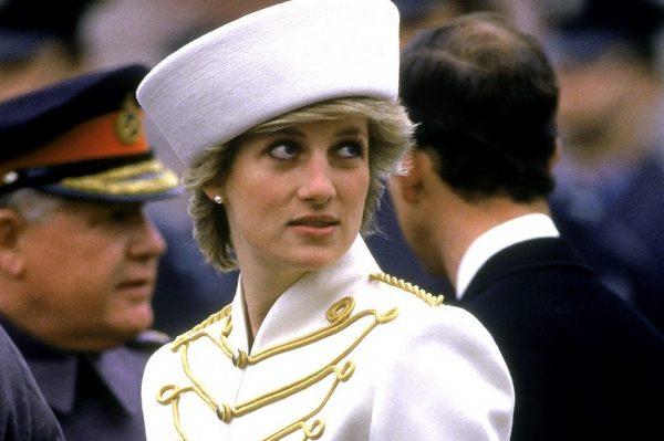 Napokon znamo tko će glumiti princezu Dianu u posljednjim sezonama serije 'The Crown' i – oduševljeni smo!