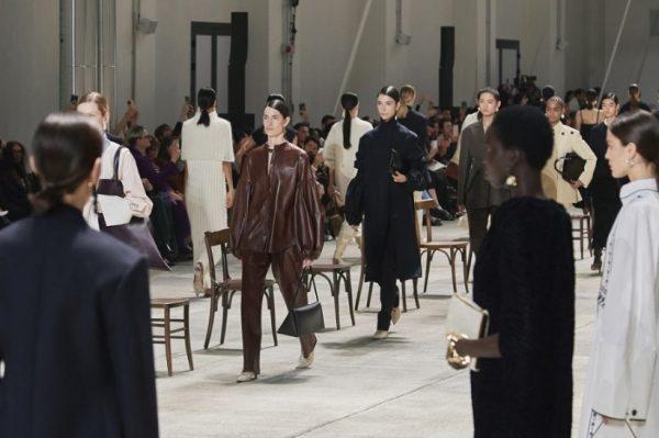 Najnoviji modni trendovi i modeli koji se nalaze samo nekoliko klikova od vaših garderoba
