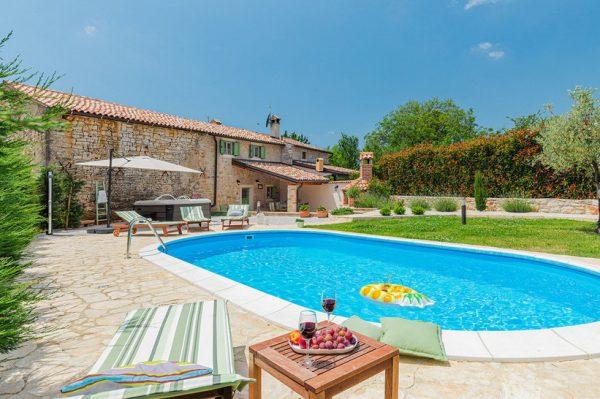 Autentična kamena kuća u Istri u kojoj je svaki kutak stvoren za uživanje