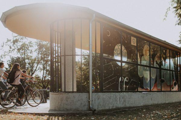 Najstarija hrvatska tramvajska stanica dobila je novo ruho zahvaljujući umjetnici Tei Jurišić