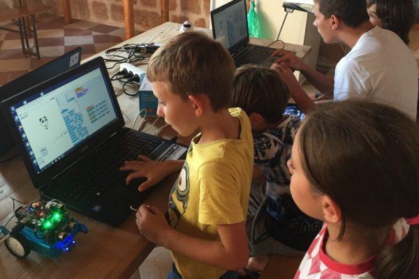 Dovedite svoje klince na dane otvorenih vrata radionica robotike za djecu