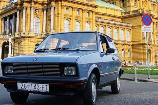 """Yugo car adventure: Jeste li spremni za razgledavanje zagrebačkih znamenitosti u """"Jugiću""""?"""