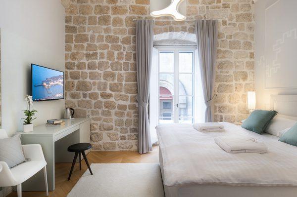 Kako je stara kamena kuća na Stradunu preuređena u 5 luksuznih apartmana?
