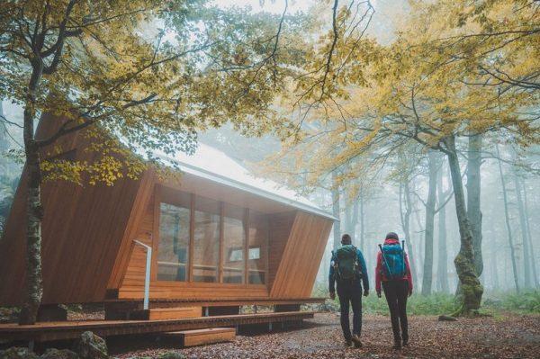 Najljepše planinarsko sklonište u Hrvatskoj nalazi se na Bijelim stijenama