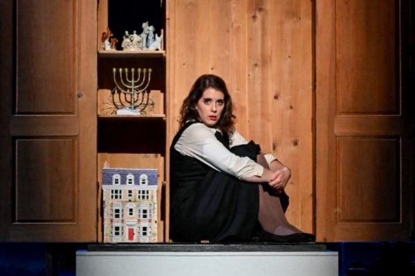 U Zagreb stiže monoopera 'Dnevnik Anne Frank' koja je premijerno prikazana u HNK Varaždin
