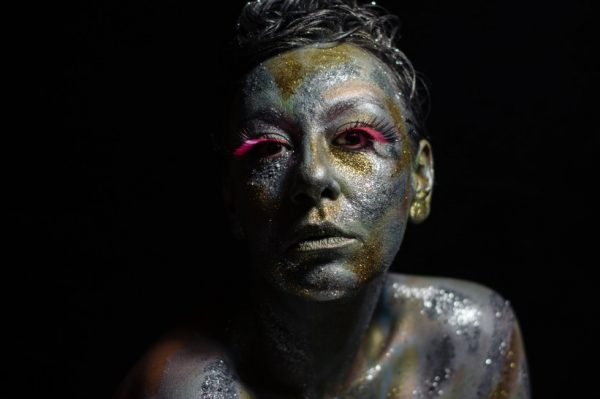 """Je Veux objavila debitantski album """"I Glow"""""""