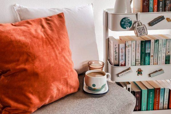 Reading corner u koji smo se zaljubili: Divan mini kutak za čitanje Dijane Kovačević