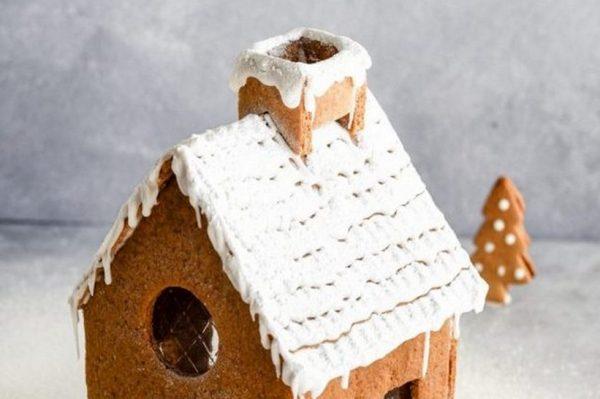 Bake me by Nina: Gingerbread kućica – najljepši jestivi ukras na svakom stolu