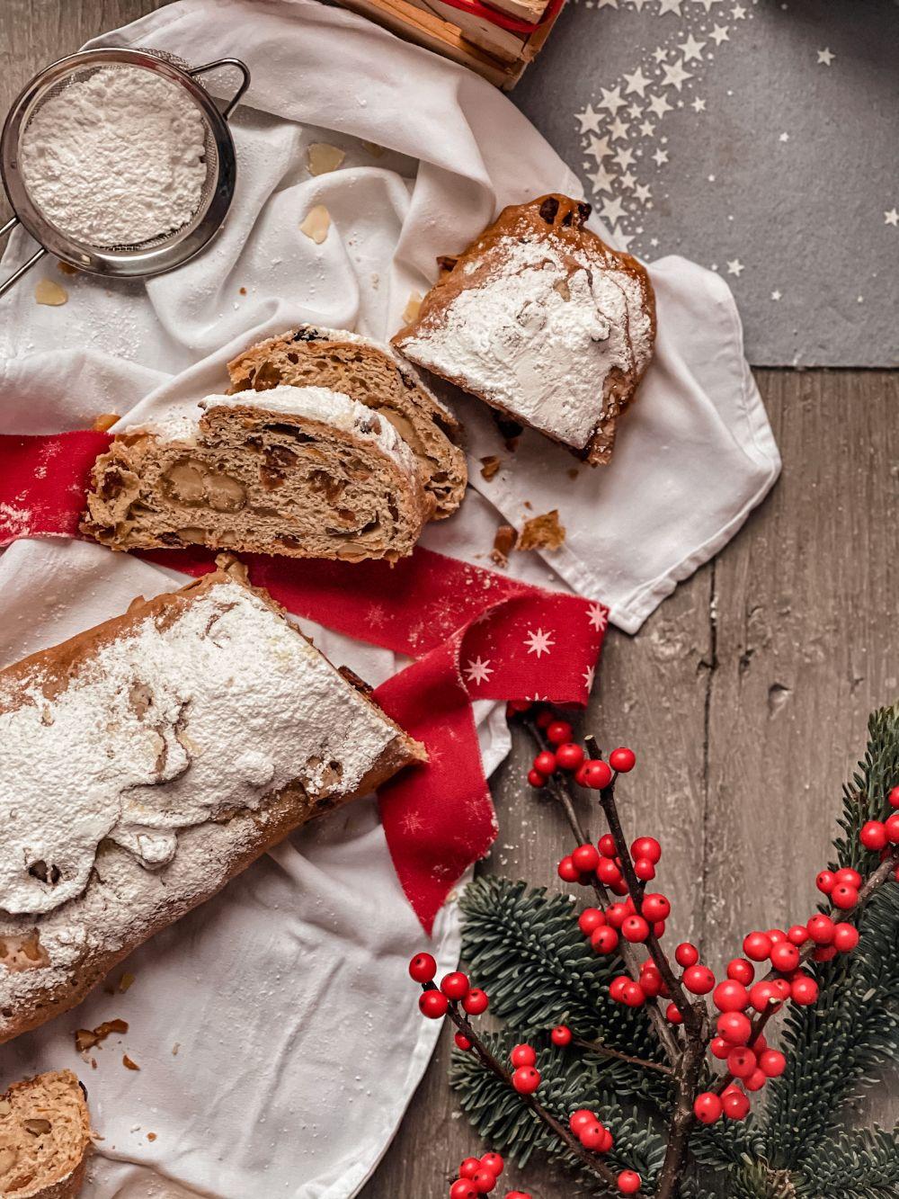 Božićni kolač Stollen
