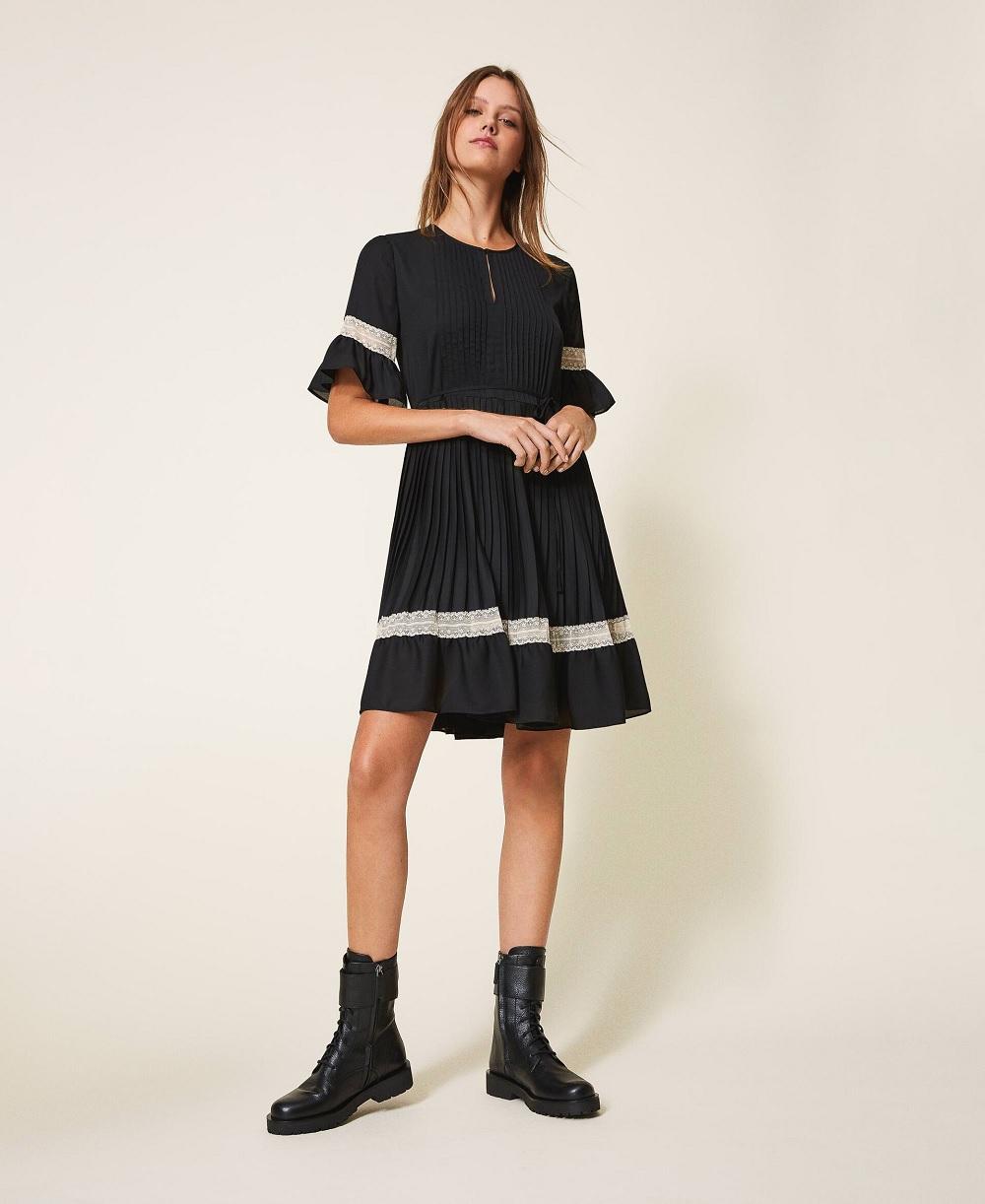 Twinset haljine blagdanske kombinacije 2020.