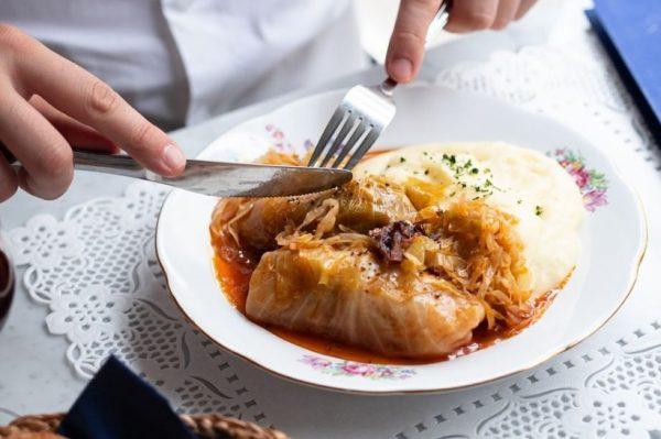 Ako nemate ni snage ni volje za kuhanje, ovi će vam restorani dostaviti omiljena novogodišnja jela