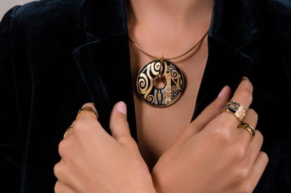 Blagdanska čarolija krije se u ovoj kolekciji nakita
