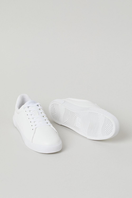 H&M bijele tenisice 2021.
