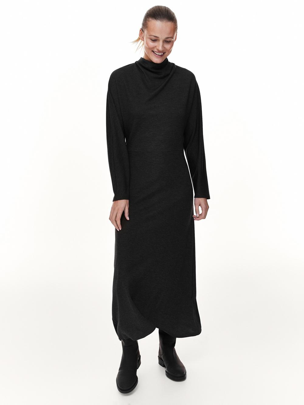 'It' haljine za 2021. Massimo Dutti