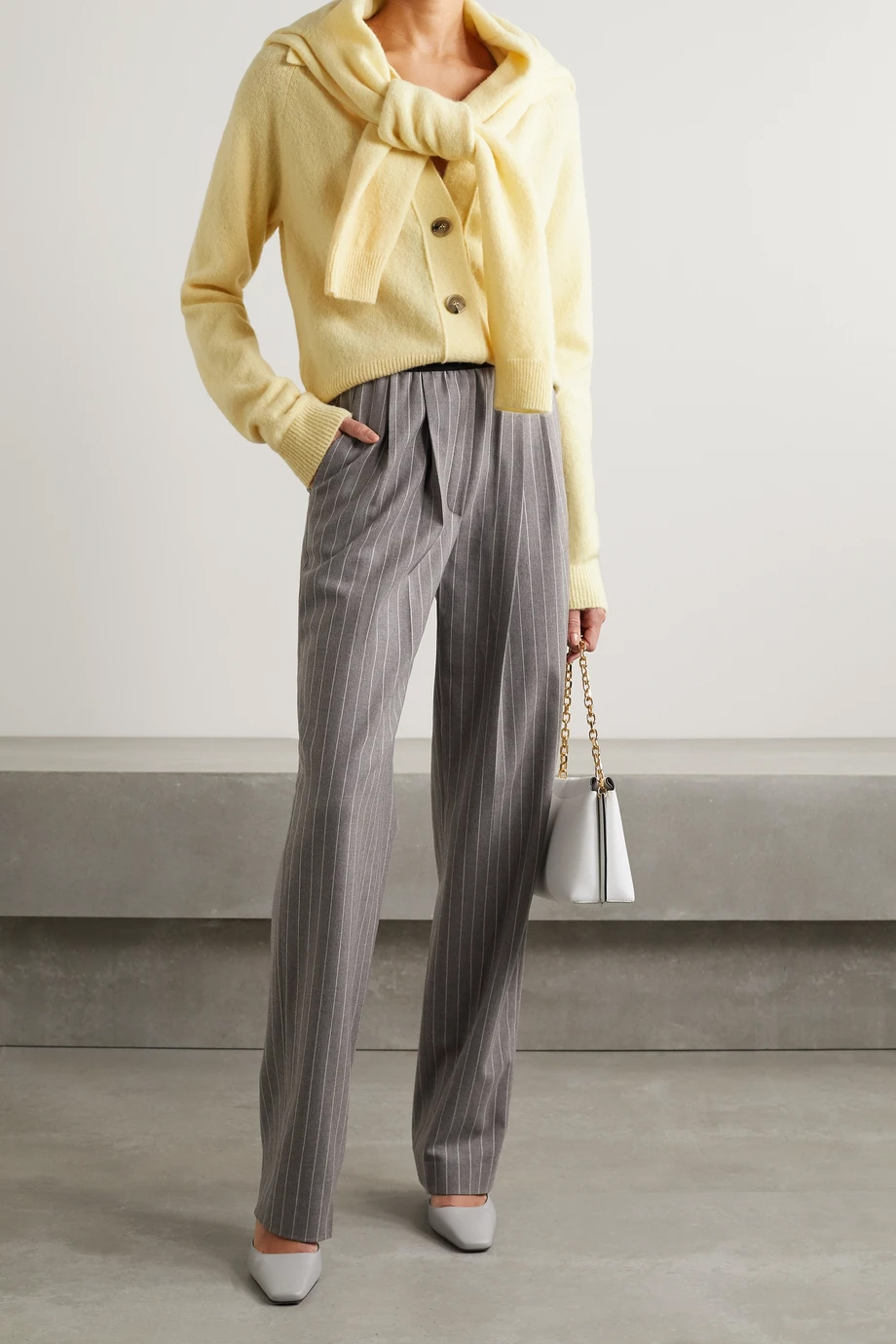 Nanushka nježna žuta boja modni trend 2021.