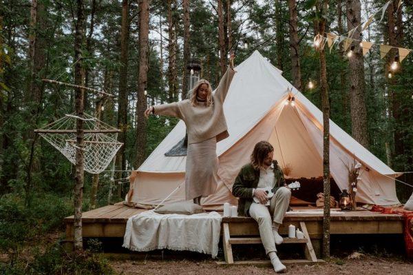 Spavanje pod zvijezdama, kampiranje i ponovni dodir s prirodom su top travel trendovi za 2021.