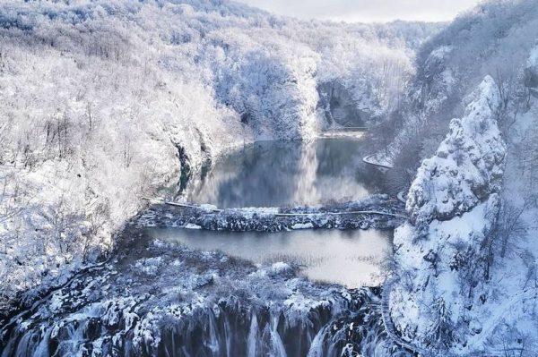 Ovih dana na Plitvičkim jezerima vlada prava zimska idila