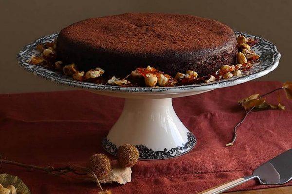 Torta od čokolade s krokantima od lješnjaka idealna je za nedjelju