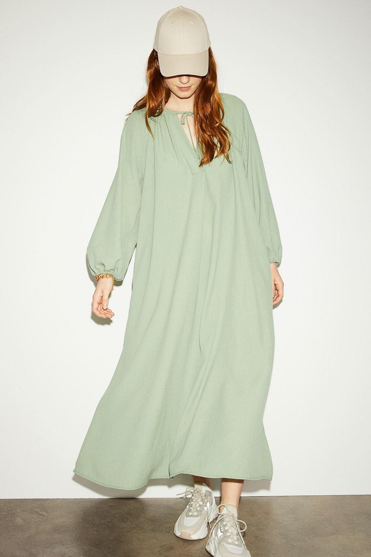 H&M zelena boja modni trend proljeće 2021.