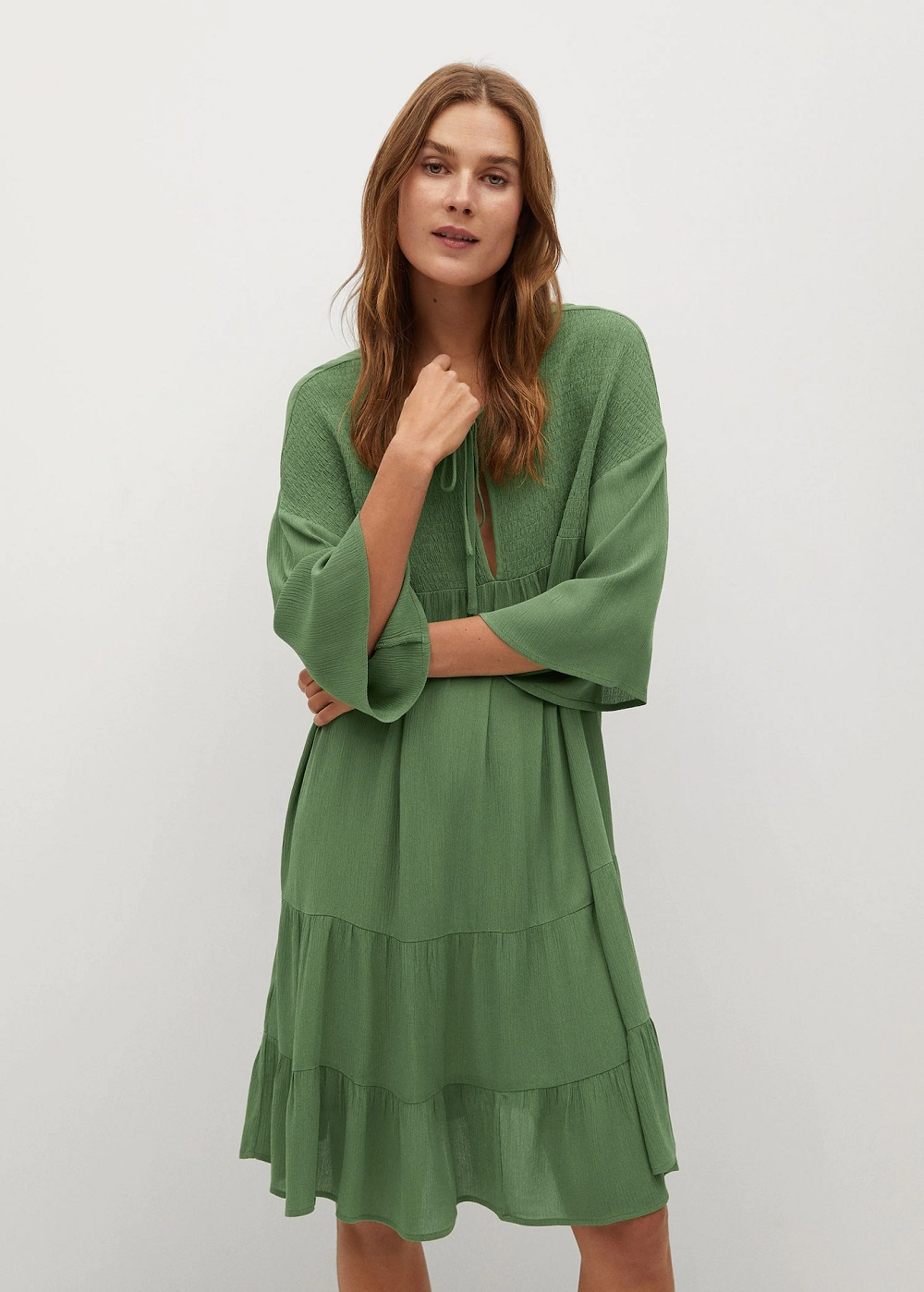 Mango zelena boja modni trend proljeće 2021.