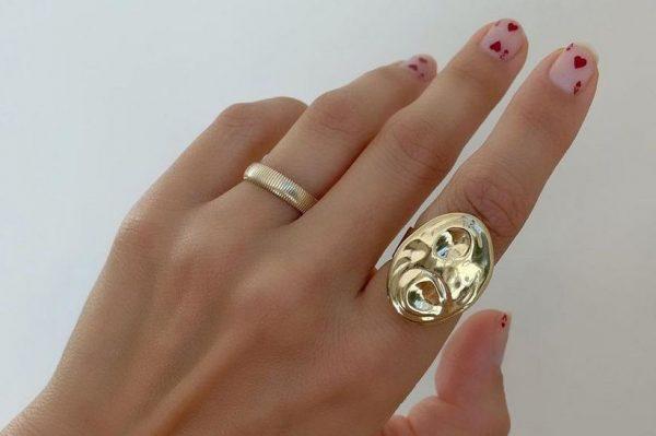 Ovaj prsten postao je Instagram beauty senzacija – evo zašto