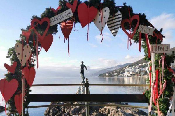 Gdje za vikend: Romantično uređena Opatija zove na odlazak na izlet