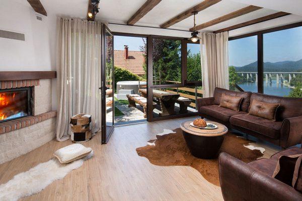 Sve što želimo za vikend je odmor u ovoj luksuznoj vili s pogledom na jezero