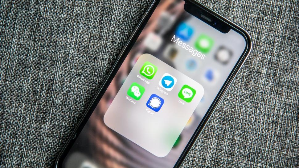 Whatsapp, Signal, Telegram