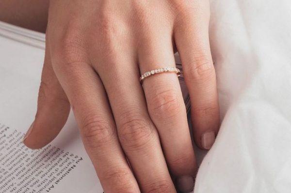 Zaručničko prstenje kakvo nose Francuskinje je najposebniji trend u svijetu vjenčanja za 2021.