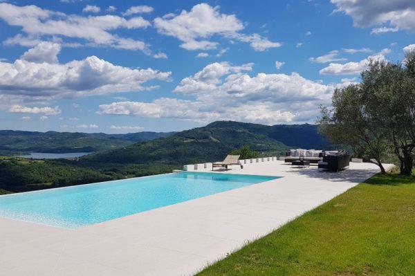 Casa mille olivi predivna je kuća u Istri s pogledom koji oduzima dah