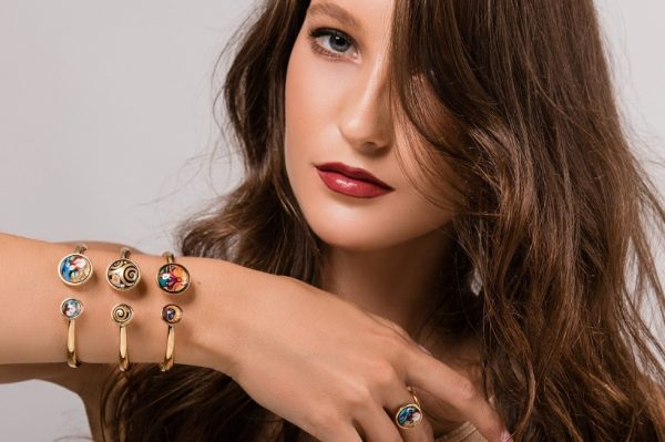 Novi hit komad nakita stvoren za proljetne kombinacije