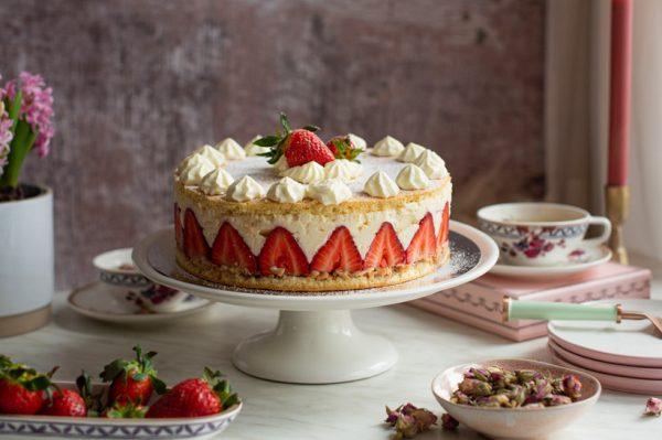 Janjolinka: Fraiser torta s diplomat kremom – francuski desert s jagodama