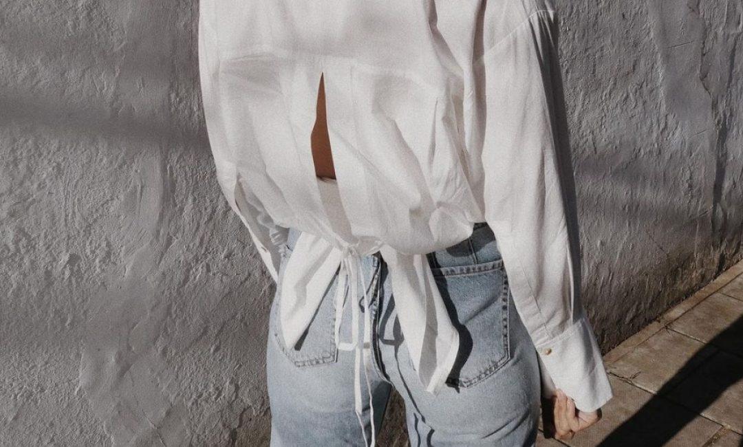 Jednostavna bijela košulja s trendi pomakom je prvi 'it' komad za proljeće