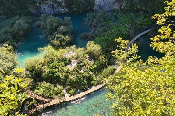 Plitvička jezera i u svibnju nude jeftinije ulaznice, što je dobar razlog da ih posjetite