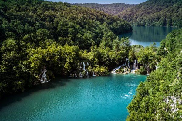 Otvaraju se Gornja jezera na Plitvicama, što je odličan razlog da ih posjetite u travnju