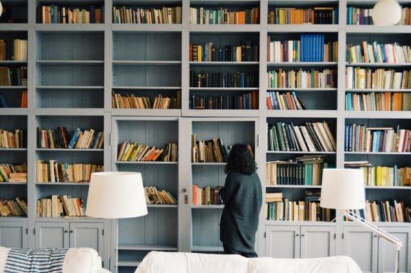 Čitanje knjiga dolazi kao spas u vrijeme samoizolacije