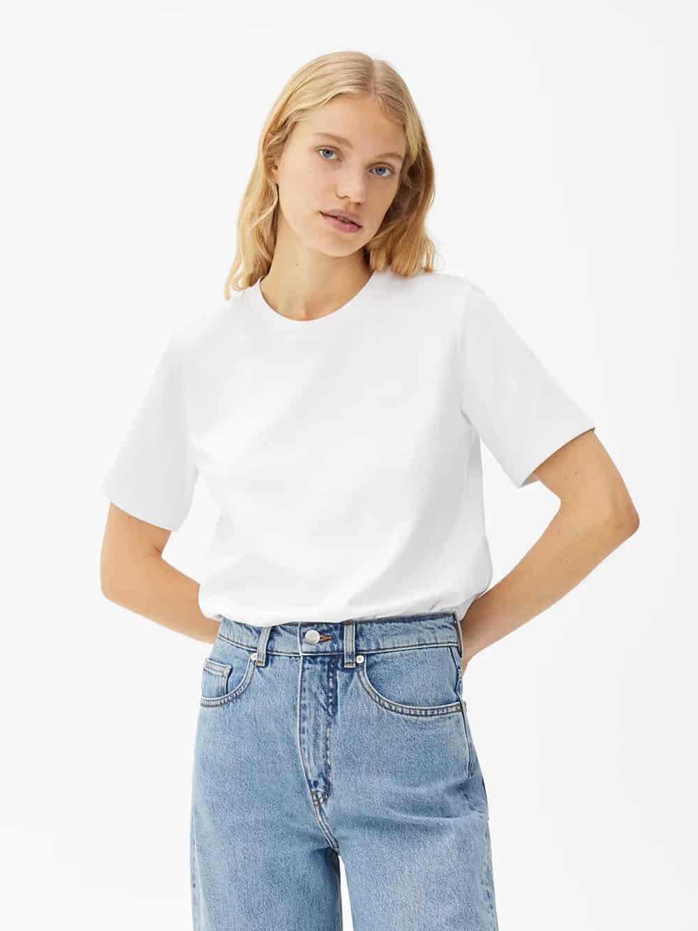 7 savršenih: Arket bijeli T-shirt za proljeće 2021.